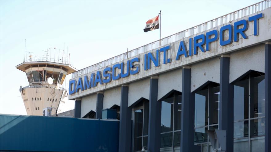 La torre de control del aeropuerto de Damasco, la capital de Siria, 1 de octubre de 2020. (Foto: AFP)