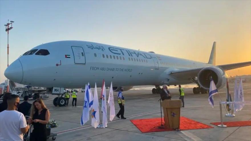 Vuelo EY 9607 de la aerolínea emiratí Etihad Airways, procedente de Abu Dabi, aterriza en Tel Aviv, 19 de octubre de 2020. (Foto: Jerusalem Post)