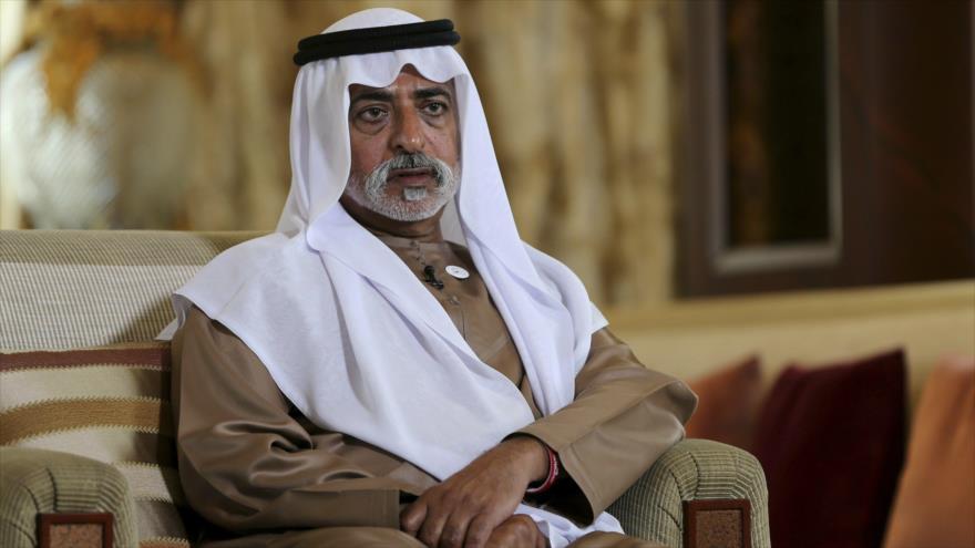 El jeque Nahyan bin Mubarak Al Nahyan, ministro de Tolerancia de los EAU, ofrece una entrevista a la agencia Associated Press en Abu Dabi, el 24 de enero de 2019.