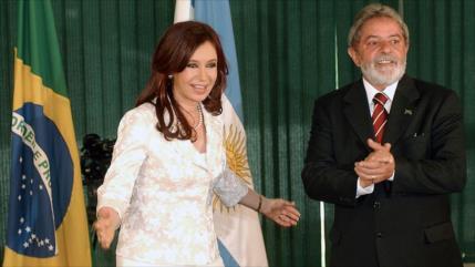 Fernández y Lula celebran triunfo de binomio del MAS en Bolivia