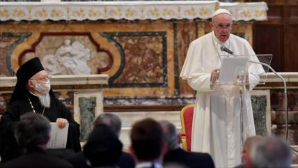 Papa y líderes de otras religiones asisten a ceremonia por paz