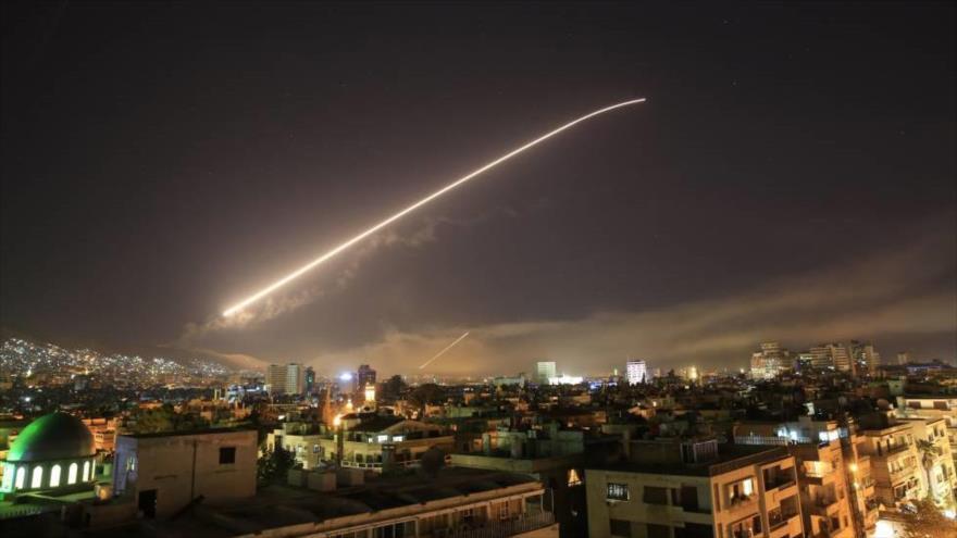 Vídeo: Defensa antiaérea siria repele agresión israelí en Damasco