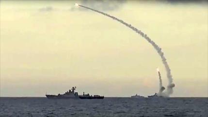 Rusia simula repeler ataque contra plataforma perforadora en Caspio
