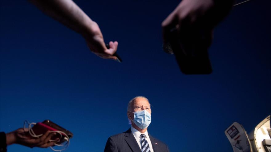 El candidato presidencial demócrata, Joe Biden, habla con los medios en el Aeropuerto Regional de Hagerstown, Maryland, 6 de octubre de 2020. (Foto: AFP)