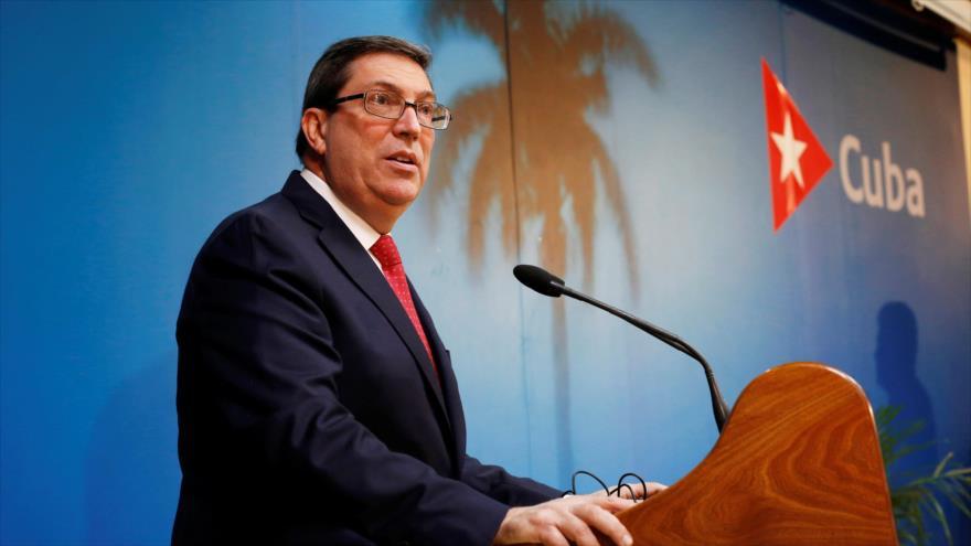 El canciller cubano, Bruno Rodríguez, habla con la prensa en La Habana, la capital, 19 de febrero de 2019. (Foto: Reuters)