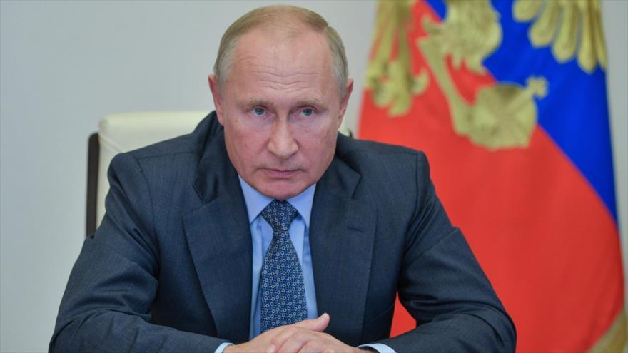 El presidente ruso, Vladimir Putin, en una reunión virtual con autoridades del país, 8 de octubre de 2020. (Foto: AFP)