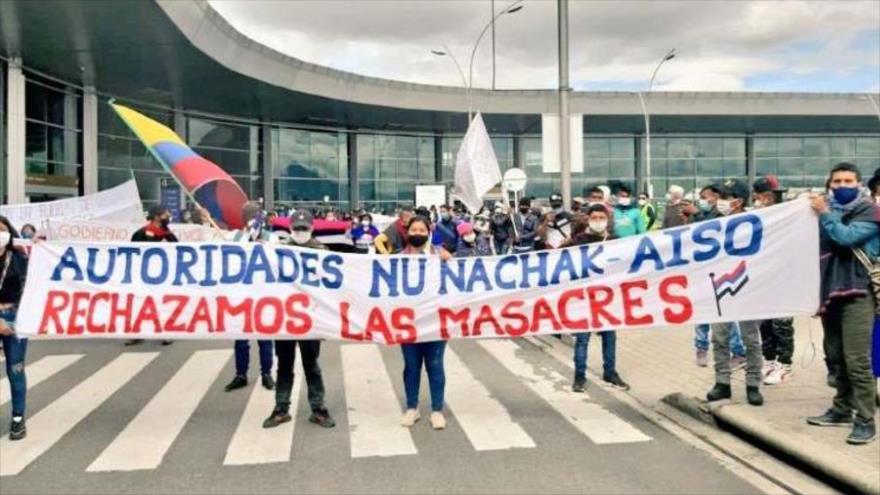 Vídeo: Indígenas toman aeropuerto de Bogotá pidiendo fin de masacres