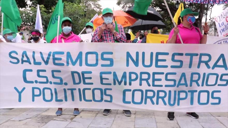 Panameños protestan contra privatización de Caja de Seguro Social