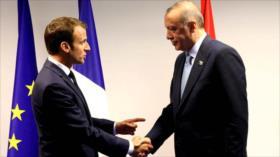 Francia advierte a Erdogan por sus insultos a Macron