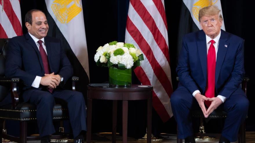 El presidente de EE.UU., Donald Trump, reunido con su par egipcio, Abdel Fatah al-Sisi, en Nueva York, 23 de septiembre de 2019. (Foto: AFP)