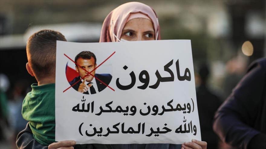 Palestinos protestan contra Macron por ultrajar a los musulmanes