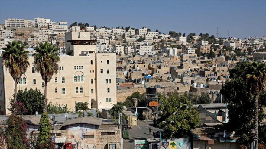 Una vista general de la ciudad de Al-Jalil (Hebrón), en el sur de la Cisjordania ocupada, 27 de octubre de 2020. (Foto: AFP)
