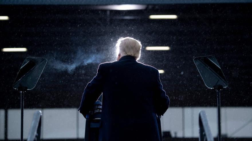 El presidente estadounidense, Donald Trump ,en un mitin electoral en Michigan (EE.UU.), 27 de octubre de 2020. (Foto: AFP)