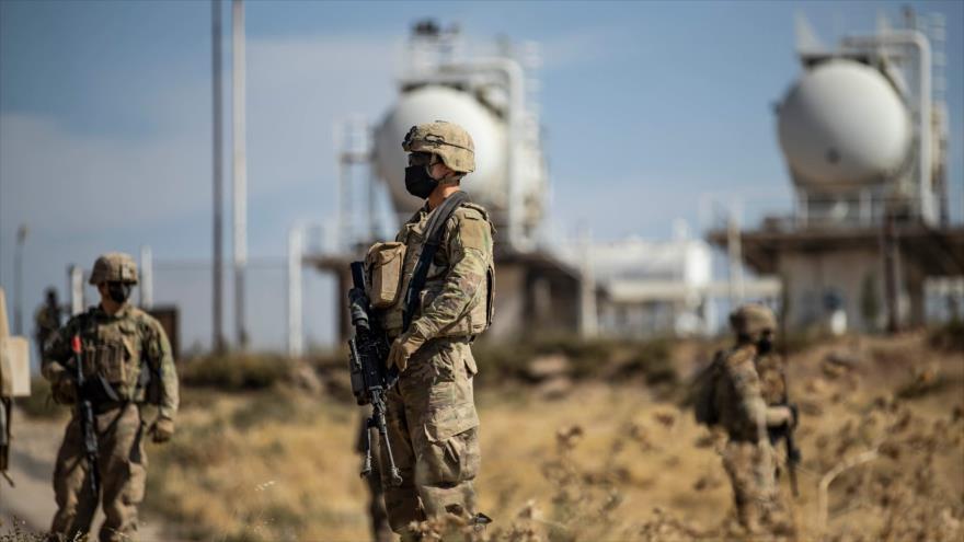 EEUU traslada 37 camiones cisterna con crudo robado de Siria a Irak