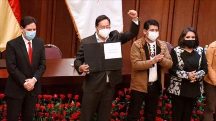Tribunal Supremo Electoral de Bolivia acredita a Luis Arce