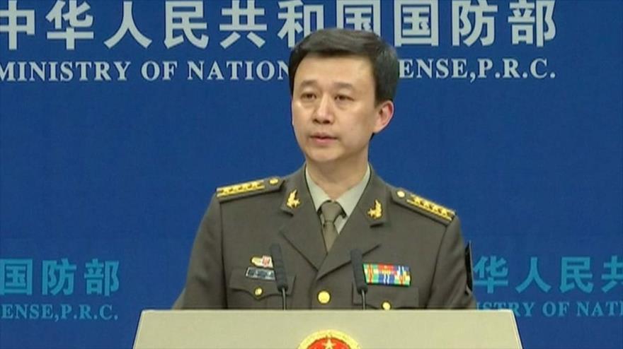 El portavoz del Ministerio chino de Defensa, Wu Qian, ofrece una rueda de prensa en Pekín, capital de China.