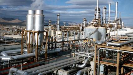 EEUU impone nuevas sanciones contra industria petroquímica de Irán