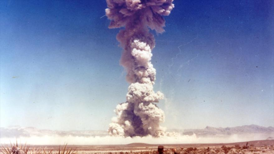 Un prueba de las armas nucleares llevadas a cabo por los Estados Unidos a finales de 1951 en el Sitio de Pruebas de Nevada.