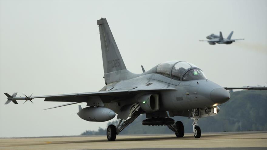 Un caza FA-50 de la empresa surcoreana Industrias Aeroespaciales de Corea (KAI).