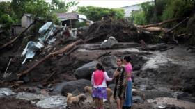 Deslave deja seis muertos y 35 desaparecidos en El Salvador