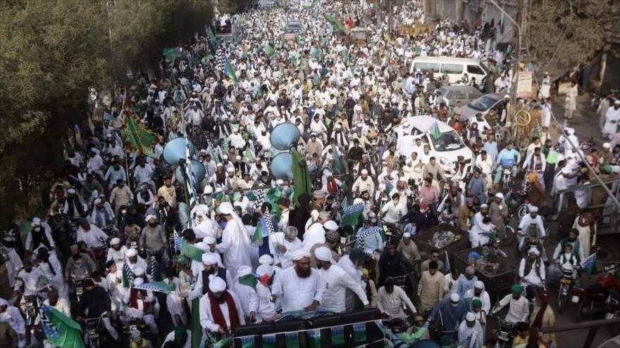 Masiva protesta en Paquistán contra islamofobia de Francia   HISPANTV