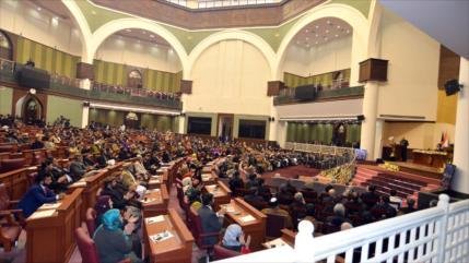 Parlamento afgano pide cortar nexos con Francia por sus blasfemias