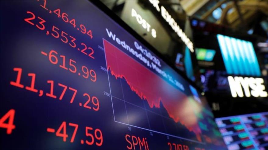 El promedio industrial Dow Jones se muestra en el piso de la Bolsa de Valores de Nueva York en Estados Unidos, 11 de marzo de 2020. (Foto: Reuters)