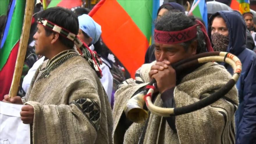 Investigador detalla histórica criminalización de los mapuche