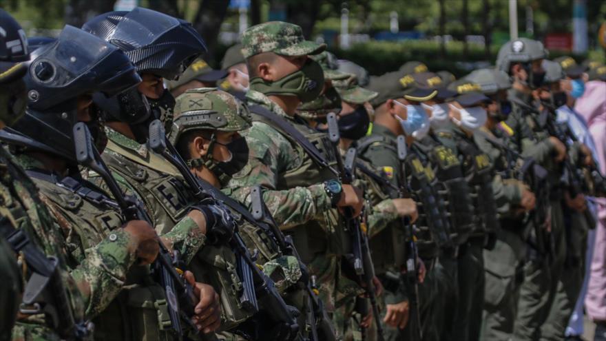 Colombia enlutada por masacre de 3 familiares de un líder social | HISPANTV