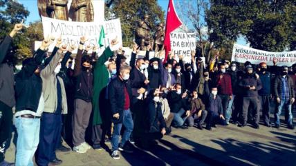 Turcos vuelven a protestar contra blasfemia francesa contra Islam