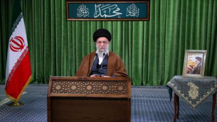 """Líder iraní denuncia """"salvajismo cultural"""" de Francia contra Profeta"""