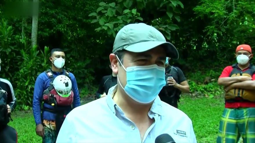Honduras no cancela vacaciones en medio de huracán Eta y pandemia