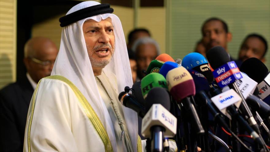 Rompiendo con los musulmanes, EAU apoya islamofobia de Macron