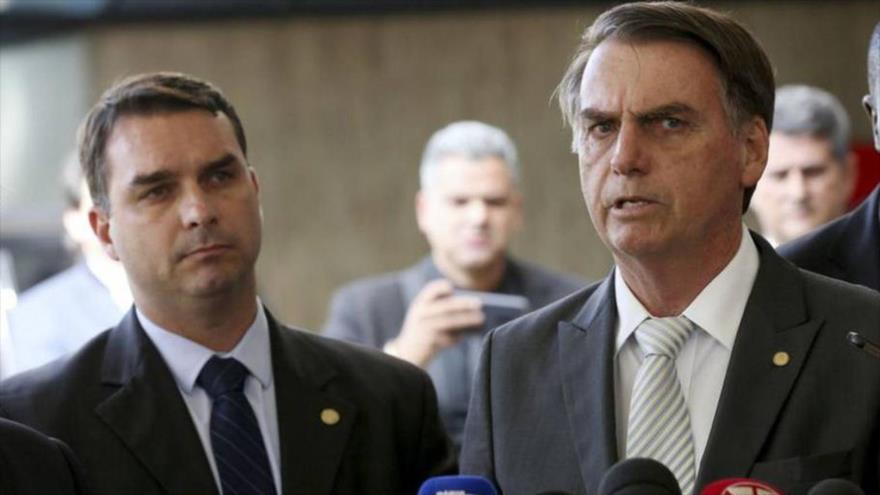 Imputan por casos de corrupción al hijo mayor de Bolsonaro | HISPANTV