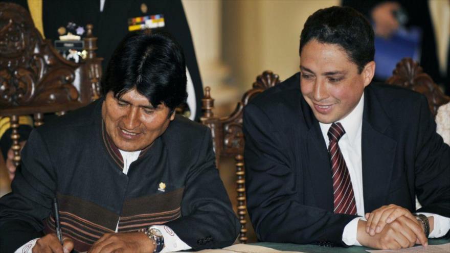El expresidente boliviano, Evo Morales (izda.) y su ministro de Justicia, Héctor Arce.