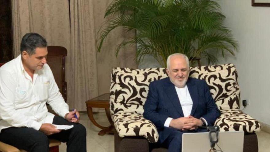 El canciller iraní, Mohamad Yavad Zarif, mantiene una reunión a través de videoconferencia con el presidente cubano, Miguel Díaz-Canel, 7 de noviembre de 2020. (Foto: mfa.gov.ir)