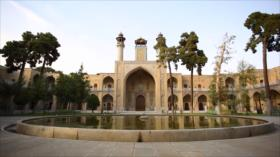 Irán: 1- Minaretes de Nezamieh, Gonbad-e Ali (Abarkuh) 2- El maestro Lorzadeh