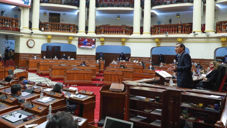 Congreso de Perú aprueba destitución del presidente Vizcarra