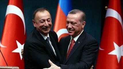 """Turquía alaba """"logros sagrados"""" de Azerbaiyán en Karabaj"""