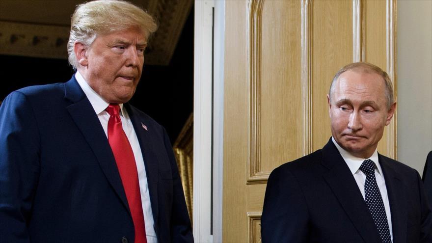 El presidente ruso, Vladimir Putin (izq.) y su homólogo de EE.UU., Donald Trump, en Helsinki (capital finlandesa), 16 de julio de 2018. (Foto: AFP)