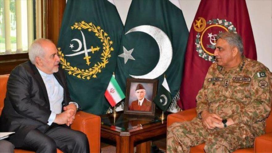 Irán y Paquistán abogan por fortalecer la cooperación militar | HISPANTV
