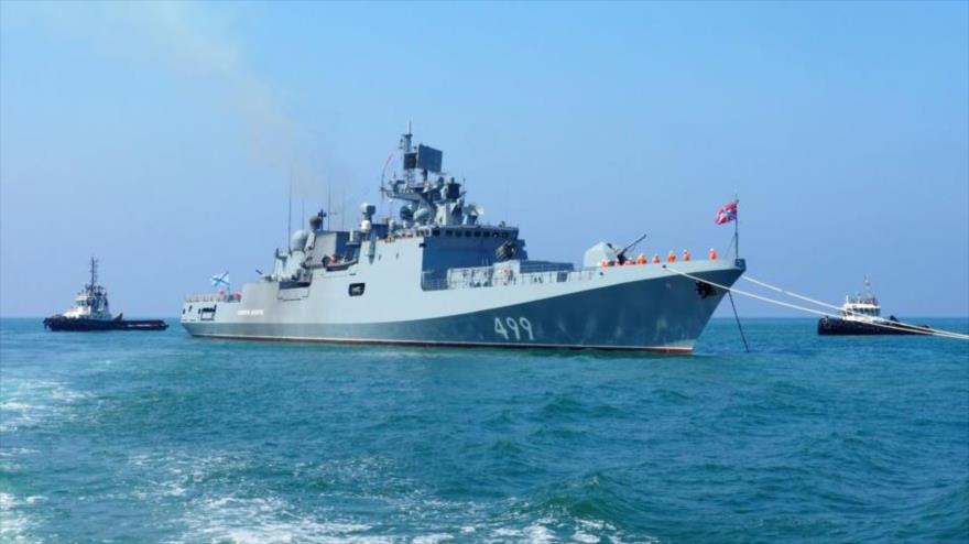 La fragata Almirante Makarov de la Marina rusa en el puerto de Tartus, en el oeste de Siria, el 26 de julio.