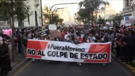 Miles de peruanos protestan contra presidente interino Merino