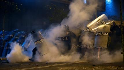Vídeo: Represión policial deja dos muertos y varios heridos en Perú