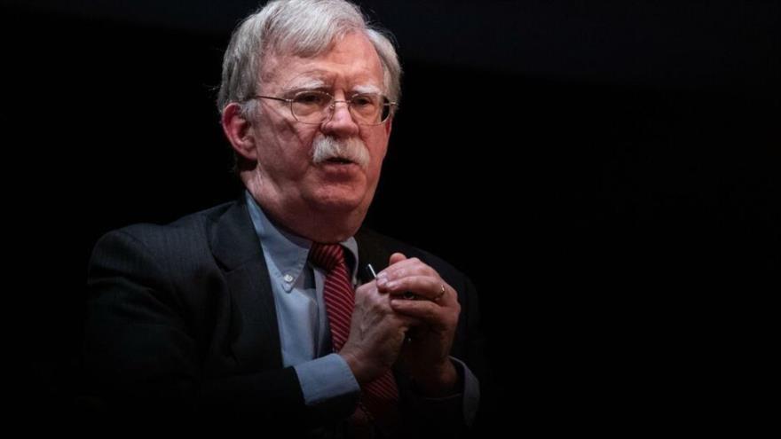 John Bolton, el exconsejero de Seguridad Nacional de EE.UU., durante una discusión en la Universidad de Duke, Carolina del Norte, 17 de febrero de 2020. (Foto: AFP)