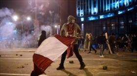 Video impactante: manifestante peruano recibe balazo en la cabeza
