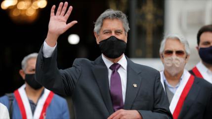 Nuevo presidente peruano promete devolver la confianza al pueblo