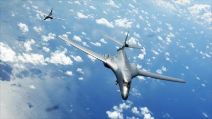 Dos bombarderos de EEUU sobrevuelan una zona de maniobras de China