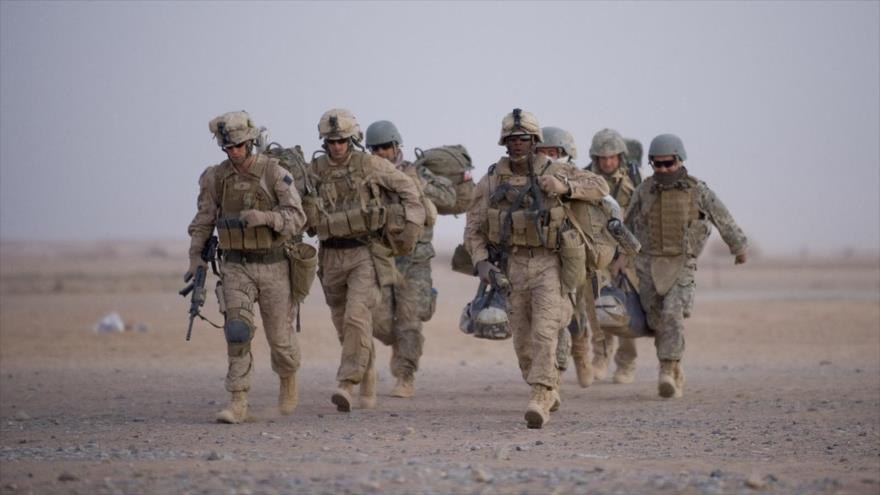 Los soldados estadounidenses se preparan para una operación en la provincia de Helmand en Afganistán, 2 de julio de 2009. (Foto: AFP)