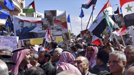 Manifestantes rechazan presencia ilegal de EEUU y Turquía en Siria